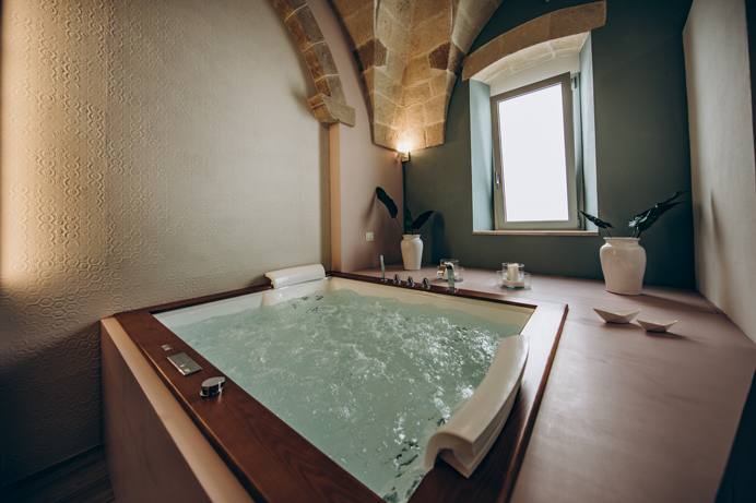 Camere-con-vasca-idromassaggio-Pulsano-Liconti-Exclusive-Rooms10